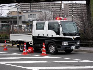 警察のトラック