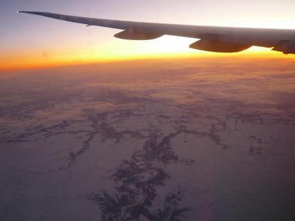 機上にて夜明け