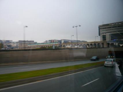 パリ高速道路から