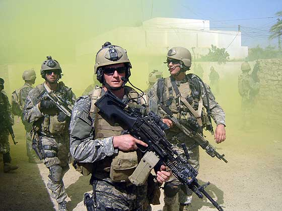 gb_in_iraq001.jpg
