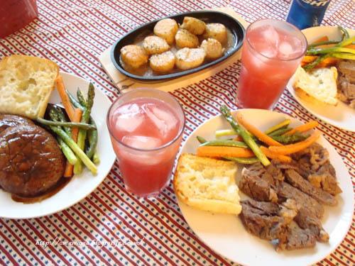 Dinner@4th.jpg