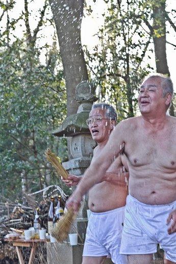 20120315uchikurodahadakamaturi08 (1 - 1)