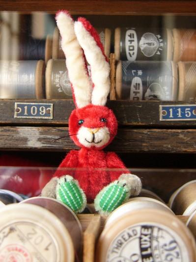 赤いウサギその3