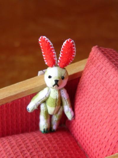 チェック柄のミニウサギその1