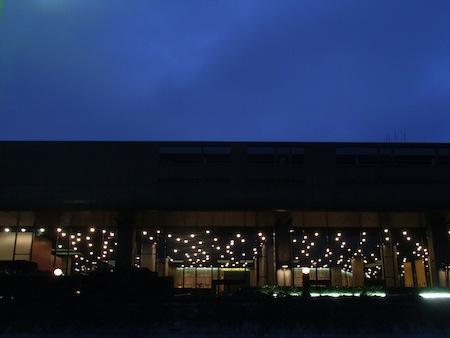 東京文化会館-夜景