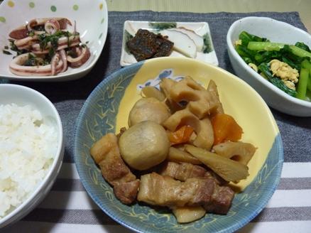 豚バラ肉と根菜の煮物