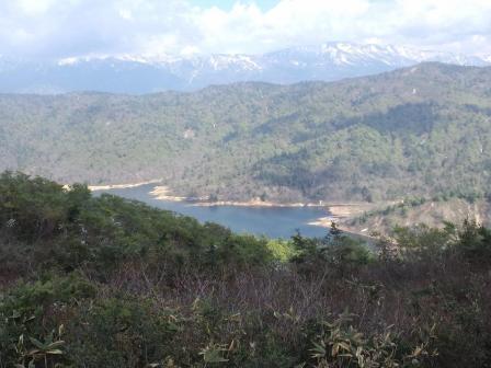 東笠と西笠の鞍部より祐延湖2010-06-05