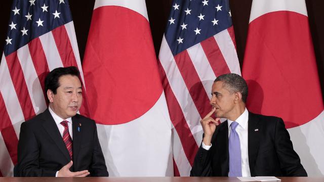 ◆9月21日、日米首脳会談の席で野田首相(左)にTPP参加を迫るオバマ大統領