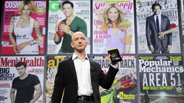 ◆新端末「キンドル・ファイア」を発表するアマゾン社長