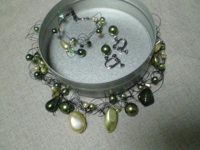 コイリングワイヤのネックレス