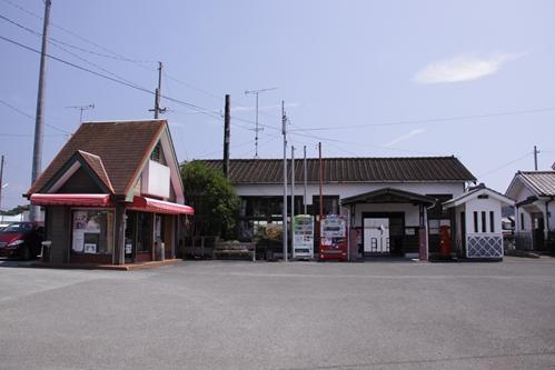 遠州森駅全景