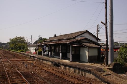 桜木駅駅舎側ホーム