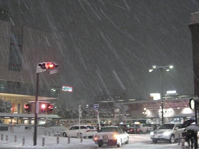 帰り道の雪