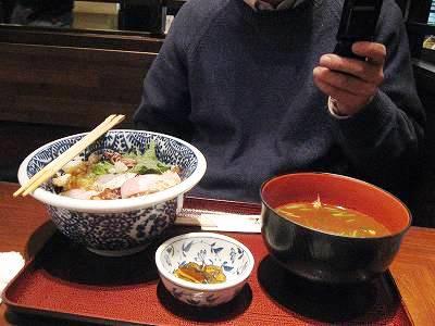 海鮮丼とO氏