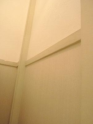 1Fトイレ壁