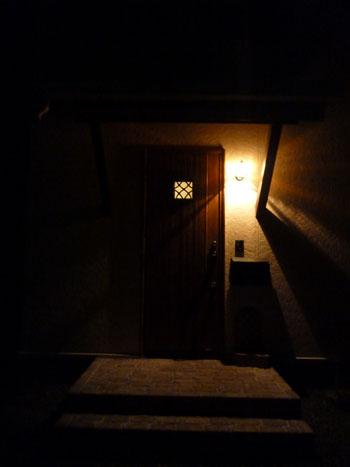 夜間照明玄関1