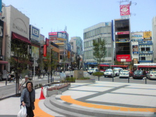20110525駅前広場