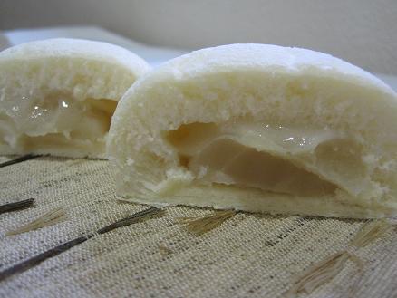 求肥の白あんパン断面