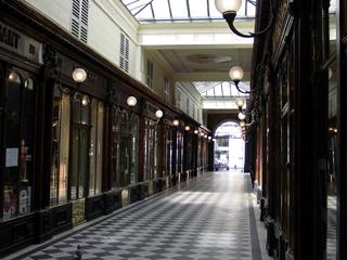 Galerie Vero-Dodat パリ パサージュ