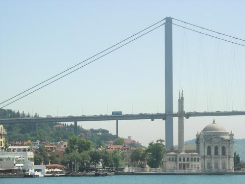 オルタキョイ・ジャミイと第一大橋