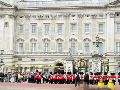 宮殿と衛兵