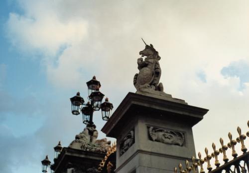 宮殿ユニコーン