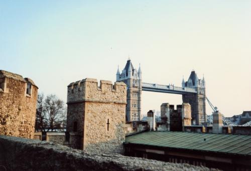 ロンドン塔からタワーブリッジ