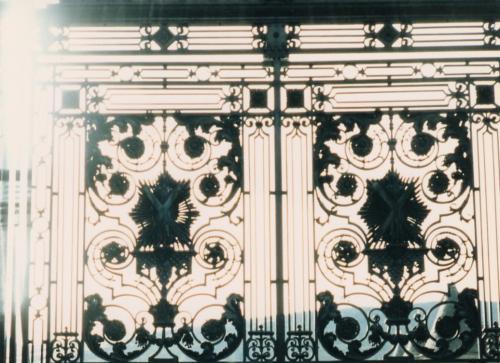 ホーリールード宮殿門