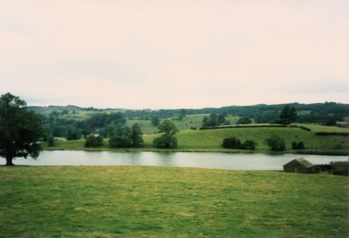 湖水の田園2