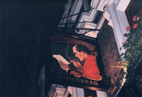 パブ・ホームズの看板