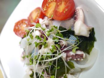 ゲソと海草のサラダ