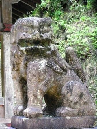 日吉神社舎利蔵1