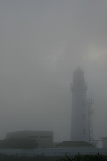 霧の犬吠崎灯台