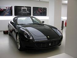 フェラーリ 黒