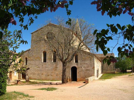 800px-Le_Thoronet_eglise_abbatialeル・トロネ修道院