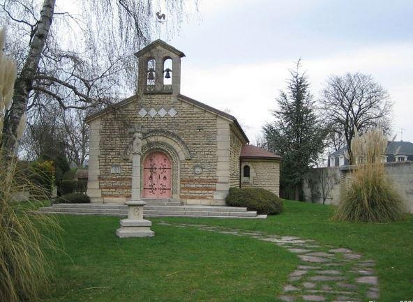 800px-ChapelleFoujitaフジタ礼拝堂