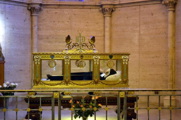 110521-lourdes7711聖ベルナデッタの遺体