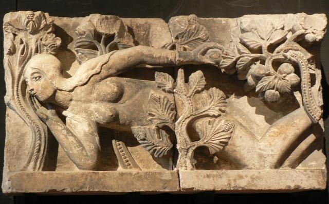 10064864806今はロラン美術館にある「エヴァ」1120~1135年頃
