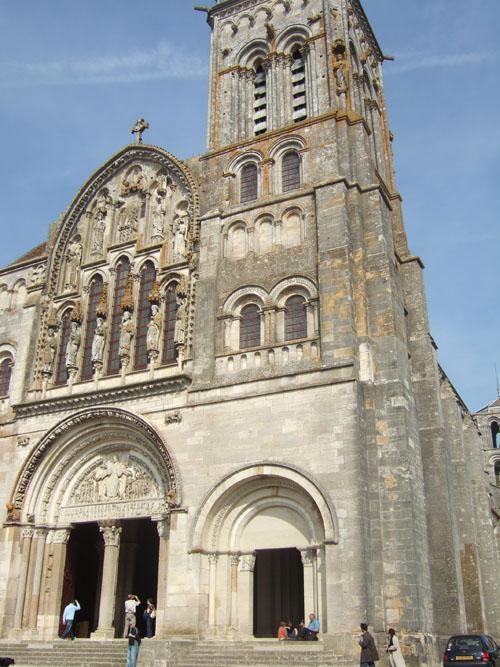 vezelay30ヴェズレー サント・マドレーヌ聖堂