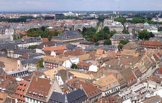 800px-Strasbourg_PanoNE2ストラスブール