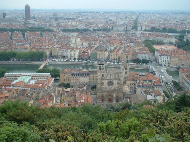 Lyon_20060705リヨン・フルヴィエールの丘から俯瞰