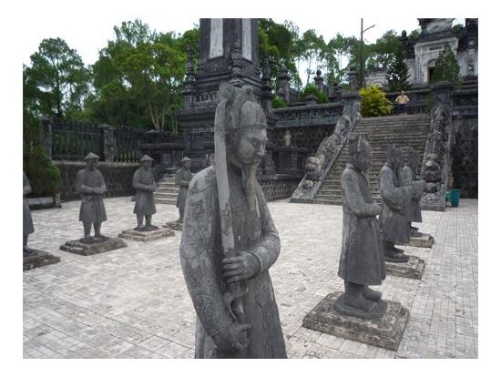 20120726233729_1309317829_2092_9西洋色の強いカイディン帝廟