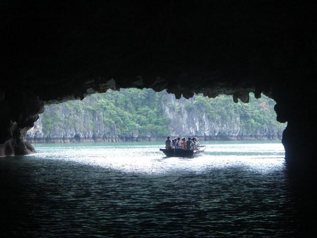 03782xハロン湾洞窟