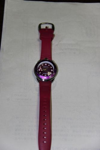 watch002.jpg