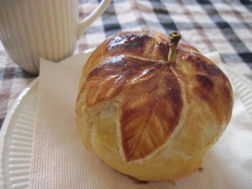 まるごとリンゴのパイ