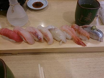 回らないお寿司♪ これしかないですよねw