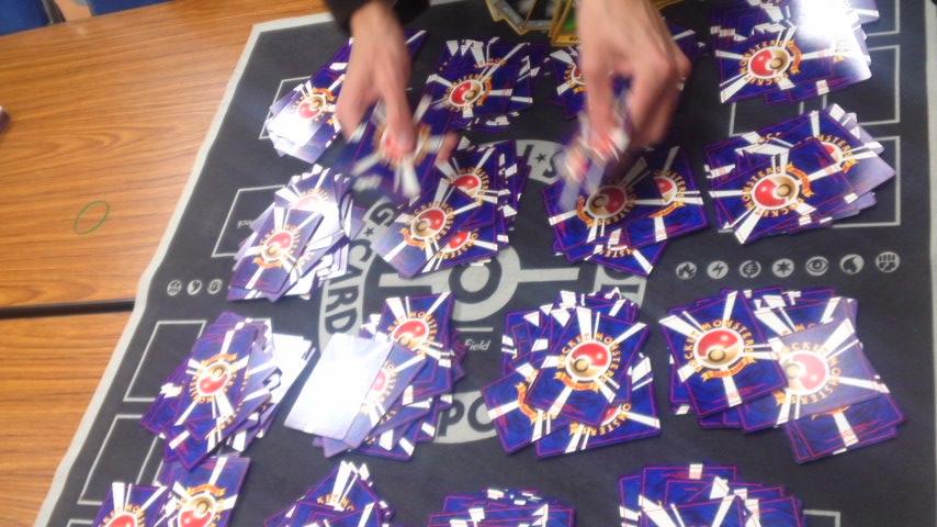 大量の新品カード