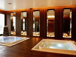 パトン ビーチ ホテル (Patong Beach Hotel)