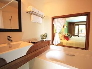 ヴィエン マントラ ホテル (Vieng Mantra Hotel)