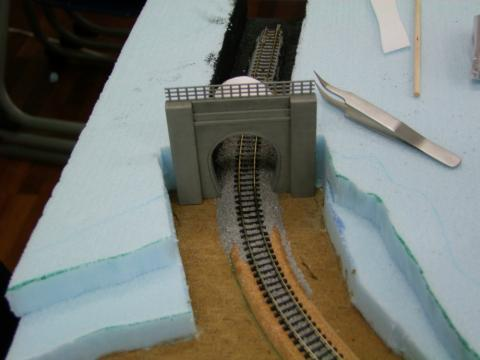 トンネル上から…